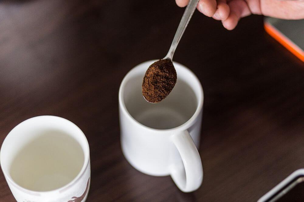 コーヒー豆のかすには脱臭・消臭作用がある
