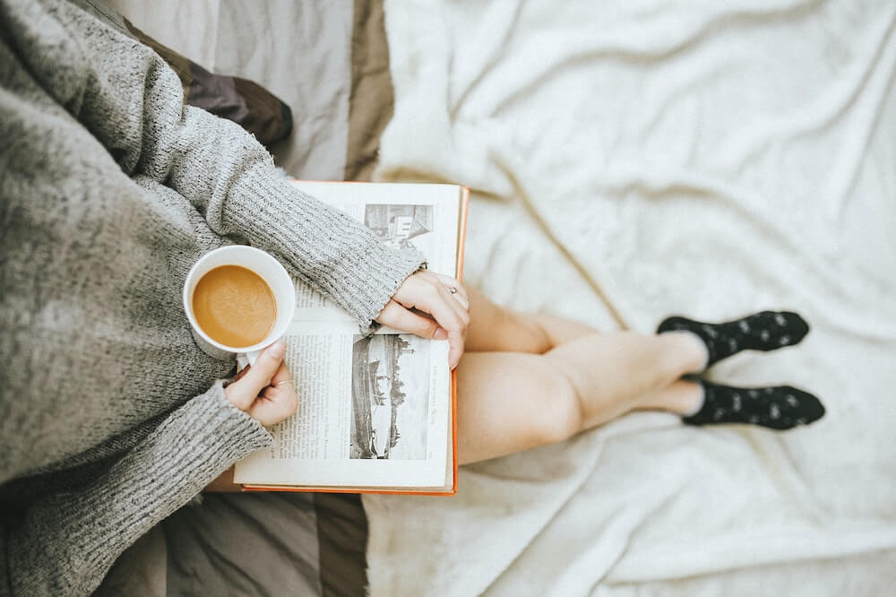 本にコーヒーをこぼした時の対処法