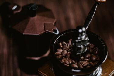 【簡単】木製コーヒーミルの手入れ頻度は?【あると便利な道具3選】