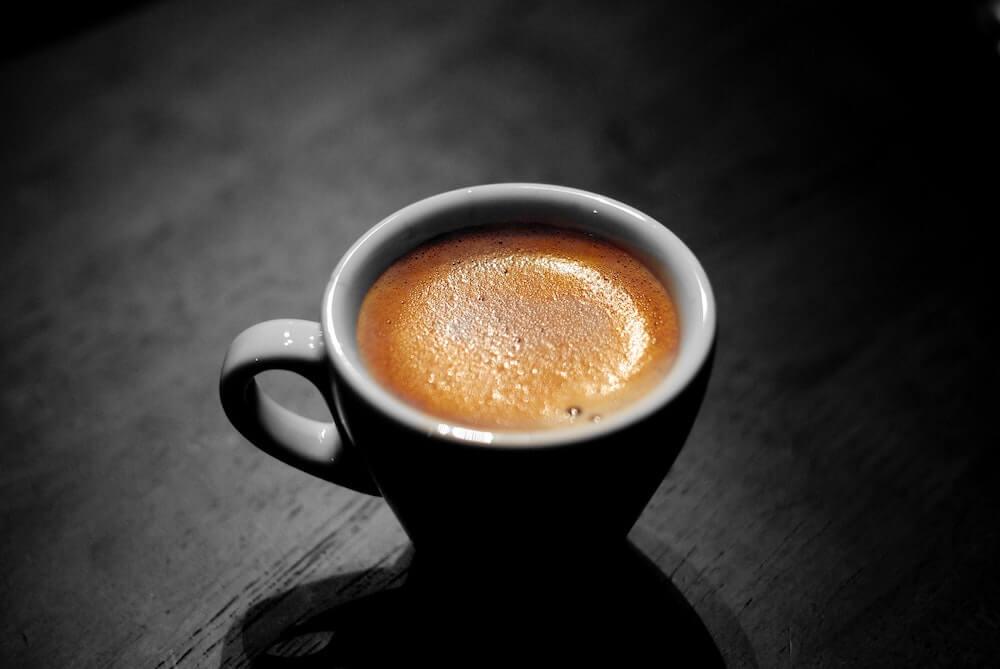 カフェテインは飲むタイミングが重要